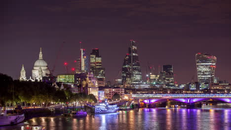 Waterloo-Bridge-Gherkin-Night-4K-00