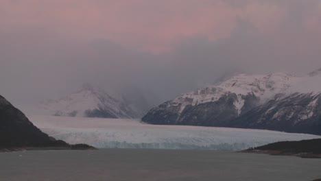 Sunrise-over-a-glacier