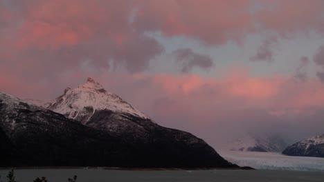 Sunrise-over-a-glacier-3