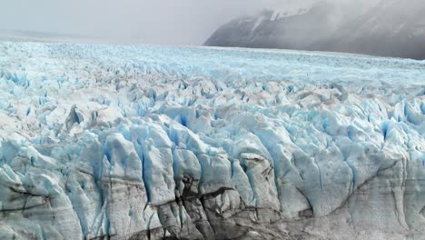 A-vast-arctic-glacier-with-ice-stretching-into-the-distance