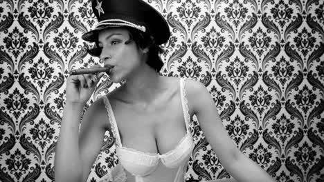 Woman-Cigar-08