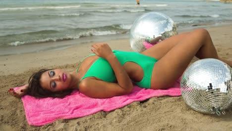 Woman-Sunbathe-03