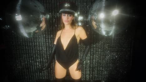 Barbie-Discoball-02