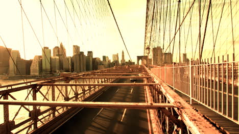 Brooklyn-Bridge-Cars-04