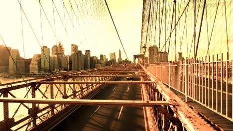 Brooklyn-Bridge-Cars-04