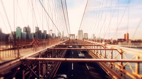 Brooklyn-Bridge-Cars-05
