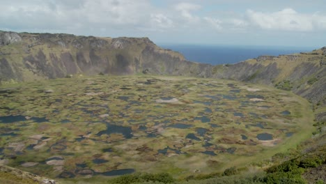 Time-lapse-across-a-volcanic-cone-crater-on-Easter-Island-2