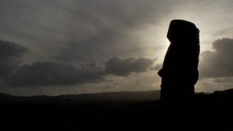 Time-lapse-of-amazing-clouds-with-Easter-Island-statues-in-silhouette