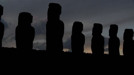 A-pan-across-Easter-Island-statues-at-dusk