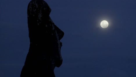 An-Easter-Island-statue-is-silhouetted-in-the-moonlight