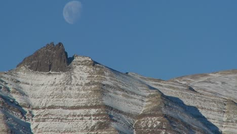 A-full-moon-rises-over-the-Andes-mountains-in-Patagonia-1
