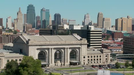 A-daytime-view-of-the-Kansas-City-Missouri-skyline-including-Union-Station-in-foreground