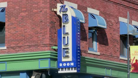 The-Blue-Room-music-club-in-Kansas-City-3