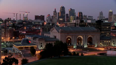 A-night-time-view-of-the-Kansas-City-Missouri-skyline-1