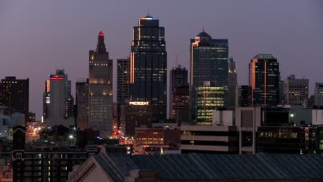 A-night-time-view-of-the-Kansas-City-Missouri-skyline-2