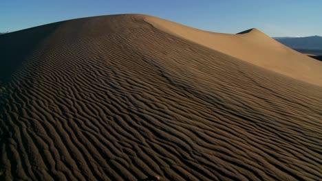 Slow-pan-across-desert-dunes-in-Death-Valley-National-Park
