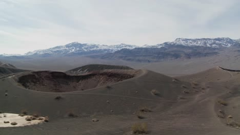 An-amazing-volcanic-crater-in-Death-Valley-National-Park-2