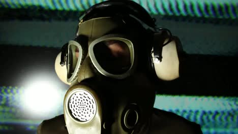 Gas-Mask-04