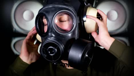 Gas-Mask-Video-05