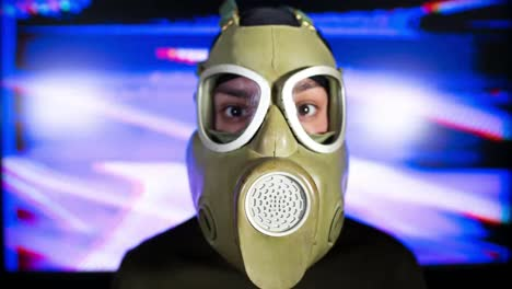 Gas-Mask-Video-09