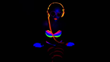 Glow-Woman-45