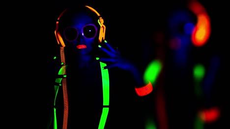 Glow-Woman-46