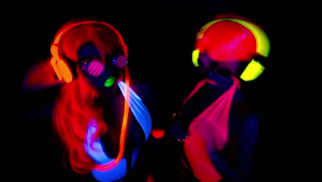 Glow-Woman-85
