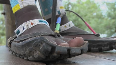Masai-footwear-made-from-the-tires-of-trucks