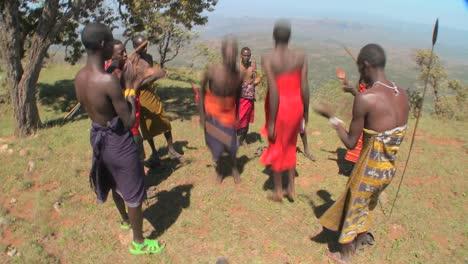 Los-Guerreros-Masai-Realizan-Una-Danza-Ritual-En-Kenia-África-7