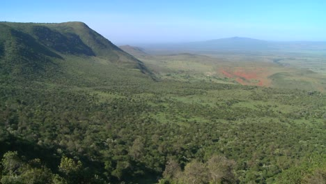Beautiful-overview-of-the-Rift-Valley-in-Kenya