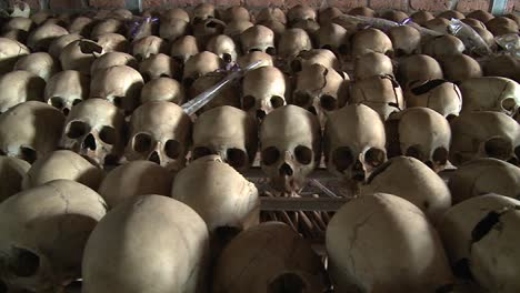 Thousands-of-skulls-in-long-rows-remember-the-genocide-in-Rwanda