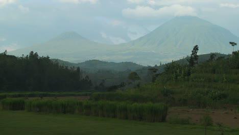 Plano-De-Establecimiento-De-Los-Volcanes-Virunga-En-La-Frontera-De-Ruanda-Congo-1