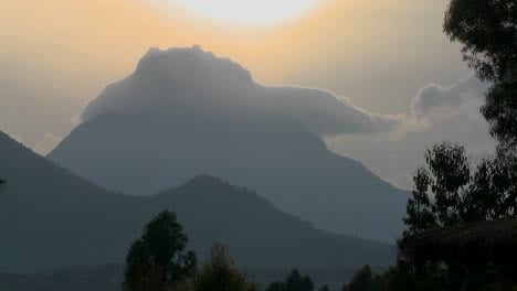 Time-Lapse-shot-of-clouds-on-top-of-the-Virunga-volcano-chain-on-the-Rwanda-Congo-border