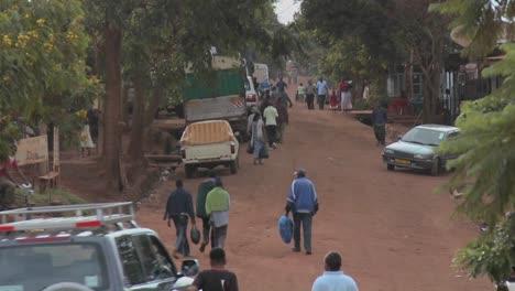 Escena-Típica-De-Un-Pueblo-En-áfrica
