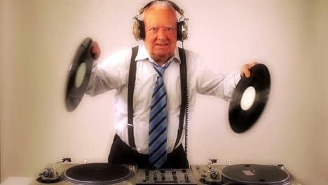Grandpa-DJ-Vid-03