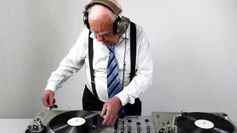 Grandpa-DJ-Vid-04