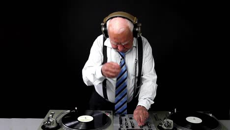 Grandpa-DJ-Vid-08