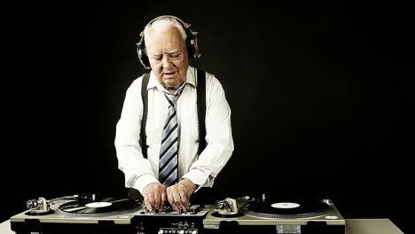 Grandpa-DJ-Vid-17