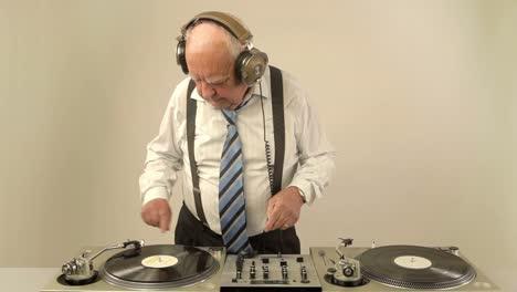 Grandpa-DJ-Vid-18