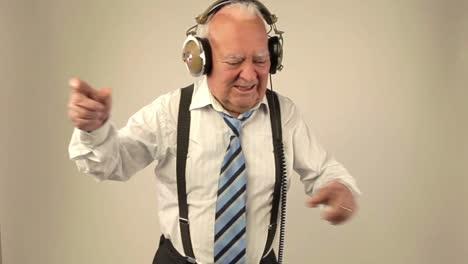 Grandpa-DJ-Vid-23