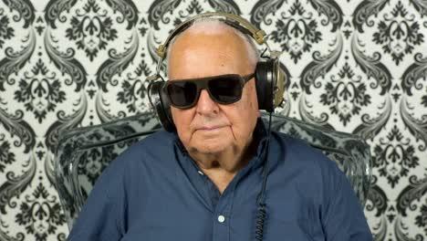 Grandpa-Gramophone-10