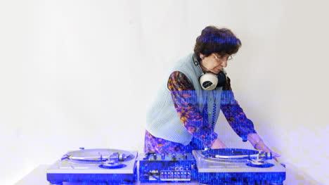 Granny-DJ-01