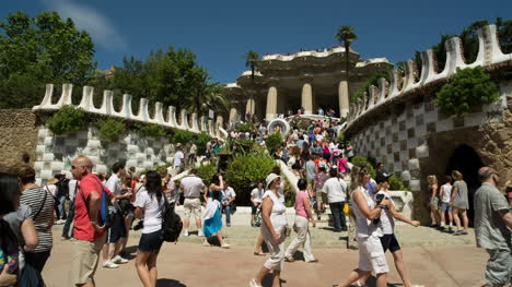 Guell-01