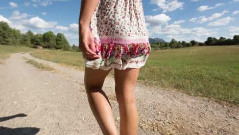 Mujer-Caminando-0