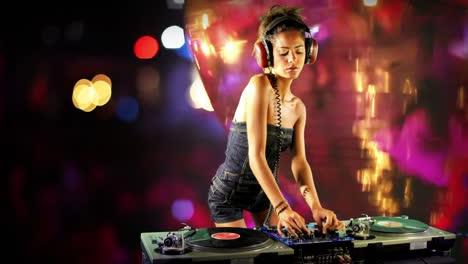 Woman-DJ-25