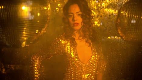 Golden-Woman-Dancing-02