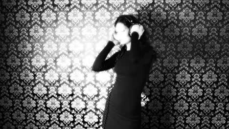 Lady-Dancing-06