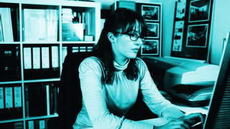 Woman-Secretary-08
