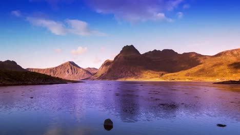 Lofoten-Lake-Reflection-08