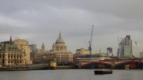 London-Pano-02
